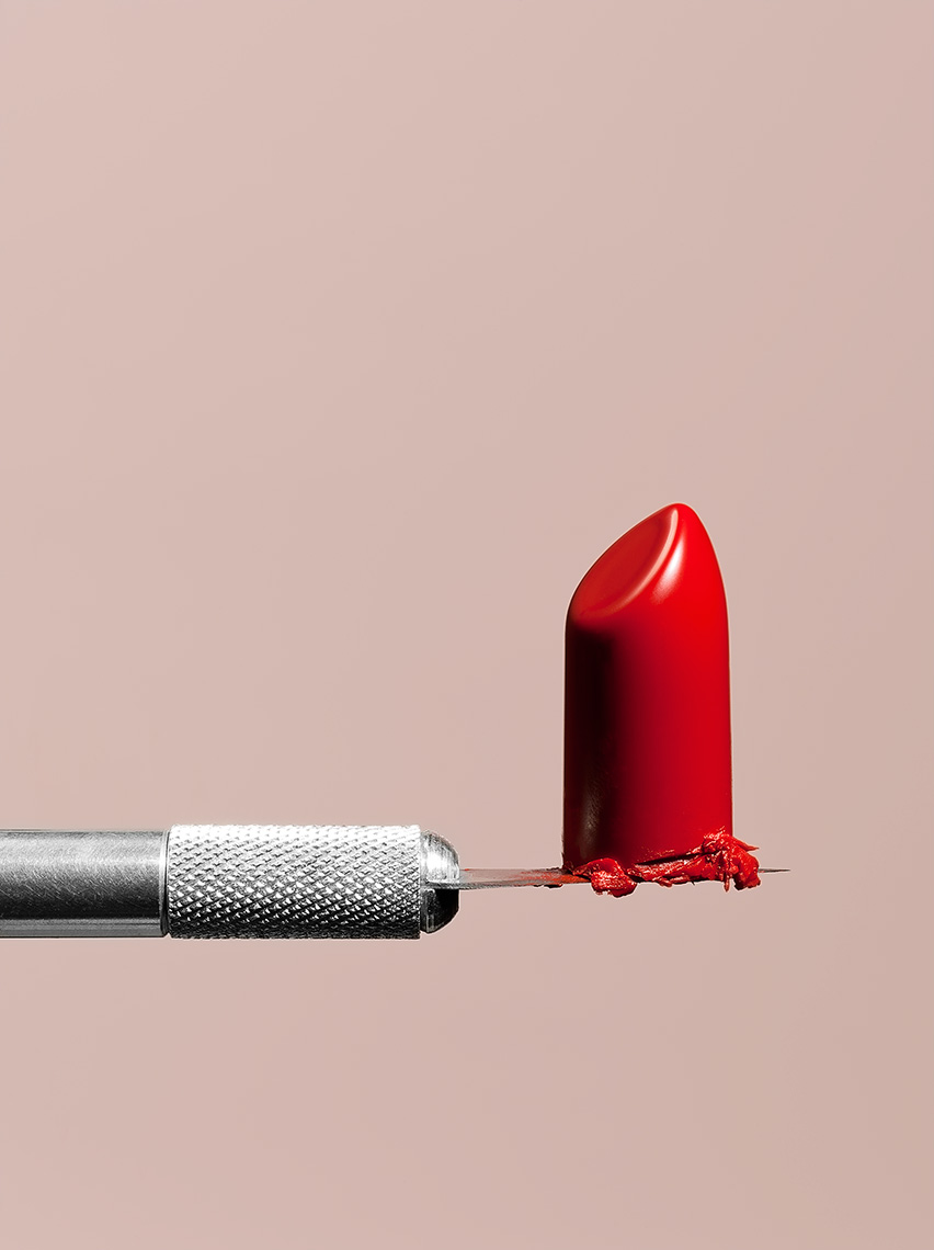 6-lipstick_on_knife